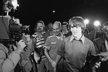 Steven Stayner byl unesen jako sedmiletý. Únosce mu namluvil, že ho jeho rodiče už nechtějí. Utekl od něj po sedmi letech, aby zachránil dalšího chlapce, kterého jeho trýznitel unesl.