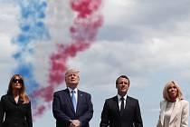 Prezidentské páry USA a Francie sledují oslavy 75. výročí vylodění v Normandii.