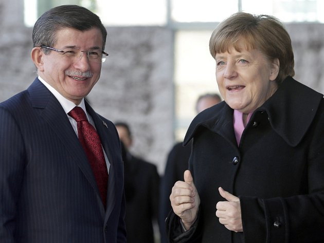 Turecko je podle Merkelové klíčovou zemí pro řešení uprchlické krize, protože přes jeho území přichází do EU většina běženců.