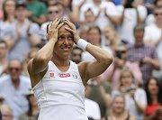 Česká tenistka Barbora Strýcová se raduje z postupu do semifinále Wimbledonu.