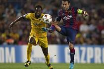 Barcelona - Apoel: Xavi odehrál v LM 142. zápas