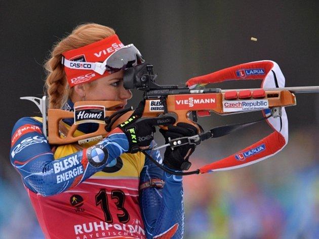 Biatlonistka Gabriela Soukalová ve sprintu SP v Ruhpoldingu.