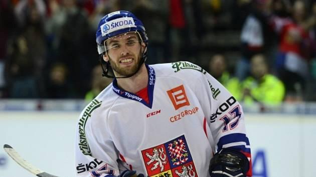 Český reprezentant Vladimír Svačina se raduje z gólu.