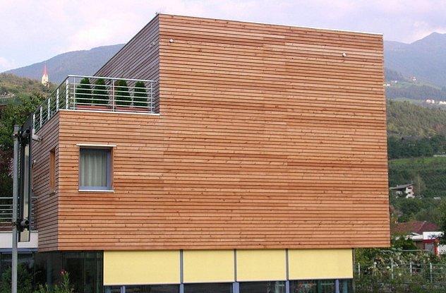 Dřevěná fasáda z sibiřského modřínu