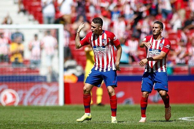 Borja Garcés z Atlétika Madrid (vlevo).
