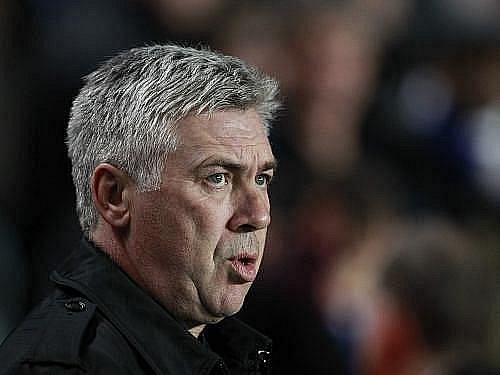 Italský trenér Carlo Ancelotti.