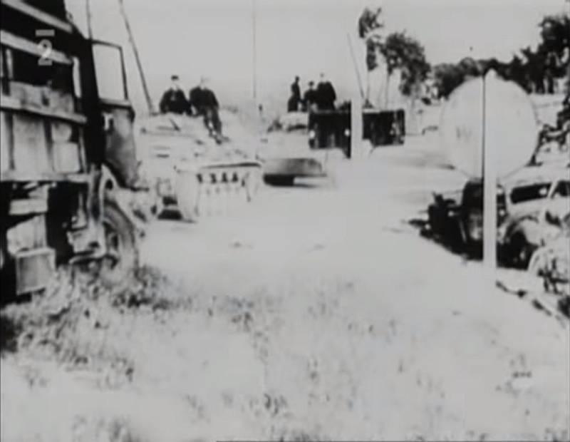 Po útěku z protektorátu se Jan Smudek dostal oklikou do Francie, kde se okamžitě zapojil do boje