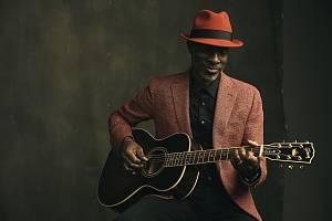 Americký bluesový zpěvák a kytarista Keb' Mo'