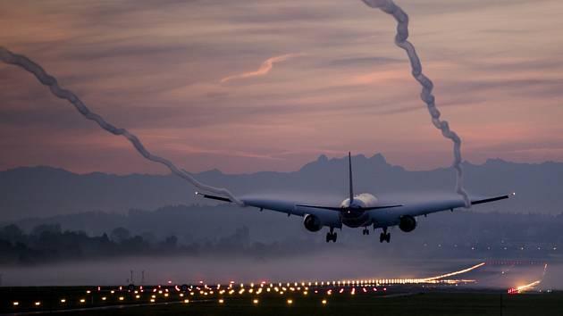 Dopravní letadlo. Ilustrační snímek