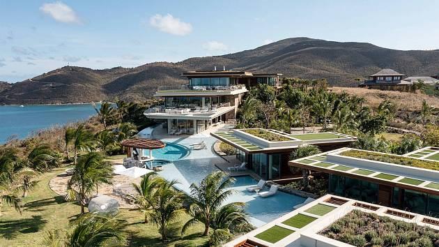 Pozemek The Oasis Estate nabízí výhled na západy slunce. Nachází se na ostrově Moskito Island, který vlastní Richard Branson.