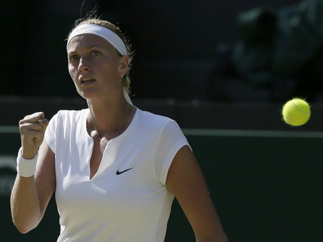 Tenistka Petra Kvitová dohrála na turnaji v Torontu ve 2. kole. Ve svém prvním utkání od Wimbledonu nestačila na bývalou světovou jedničku Viktorii Azarenkovou z Běloruska a podlehla jí po setech 2:6 a 3:6.