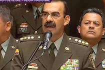 Generál Rodolfo Palomino oznamuje svou rezignaci.