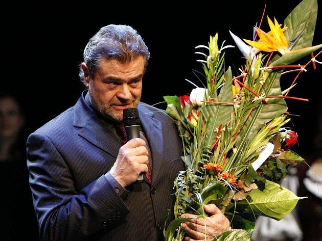 Karel Svoboda je podle svazu OSA nejhranějším českým autorem.