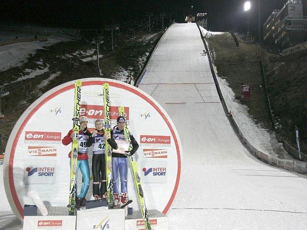 Liberečtí pořadatelé Světového poháru ve skocích na lyžích svůj úkol zvládli.