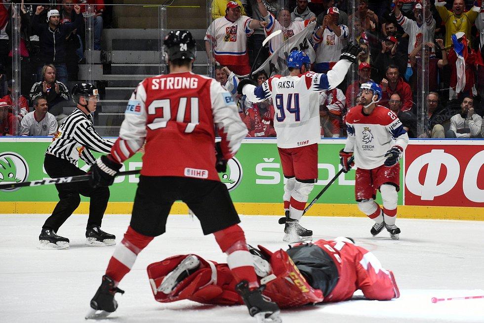 Bratislava 19.5.2019 - Mistrovství světa v Bratislavě - skupina B - Česko v bílém proti Rakousku v červeném