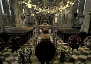 Poslední rozloučení s Nikim Laudou ve vídeňské katedrále svatého Štěpána.