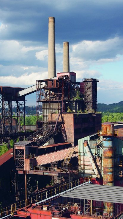 Podívejte se do areálu bývalých Vítkovických železáren, ve kterém se v letech 1828 až 1998 těžilo černé uhlí a vyrábělo surové železo a koks.