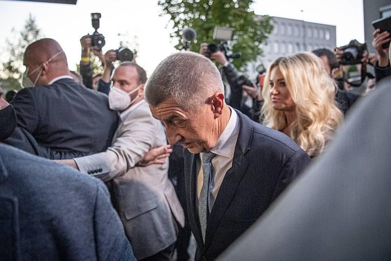 Andrej Babiš přijel do volebního štábu hnutí ANO, 9. října 2021 v Praha.