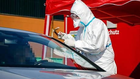 Test na koronavirus v Německu. Ilustrační snímek