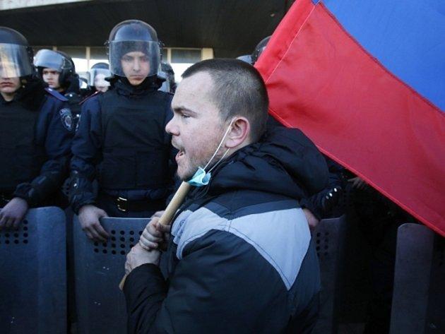 Proruský aktivista. Ilustrační foto.