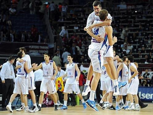 Srbsko oslavuje postup do čtvrtfinále mistrovství světa.