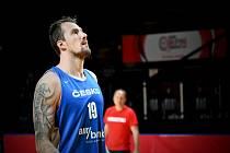 Čeští basketbalisté už trénovali v Kanadě (Ondřej Balvín).