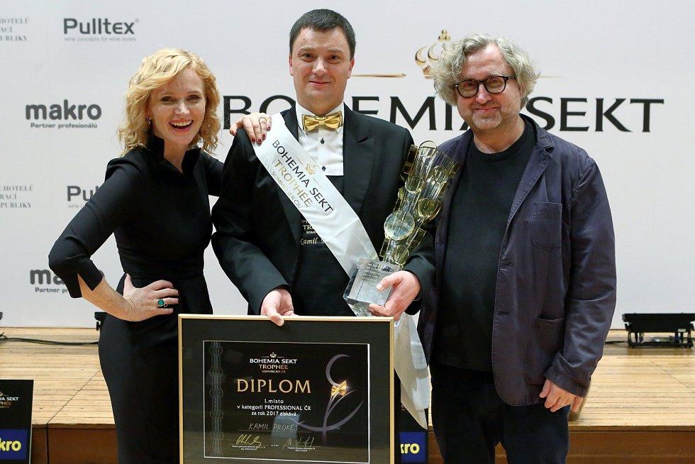 Českým sommelierem roku je Kamil Prokeš.