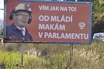 Billboardy útočící na šéfa ČSSD Bohumila Sobotku se objevily v Kopřivnici. Sobotka je lídr jihomoravské kandidátky strany pro předčasné volby do Sněmovny.