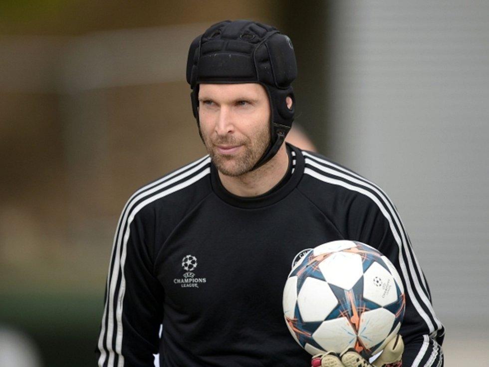 Brankář Petr Čech získal podeváté Zlatý míč pro nejlepšího fotbalistu České republiky.