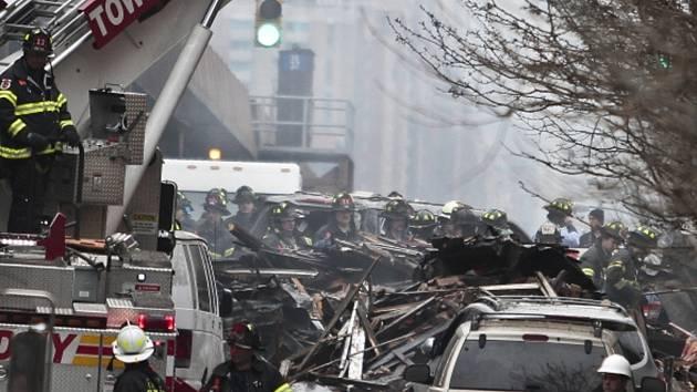 Exploze na newyorském Manhattanu. Tři lidé jsou mrtví, devět osob se stále pohřešuje.