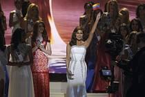 Novou Miss Universe se ve finále ve Spojených státech stala dvaadvacetiletá Kolumbijka Paulina Vegaová.