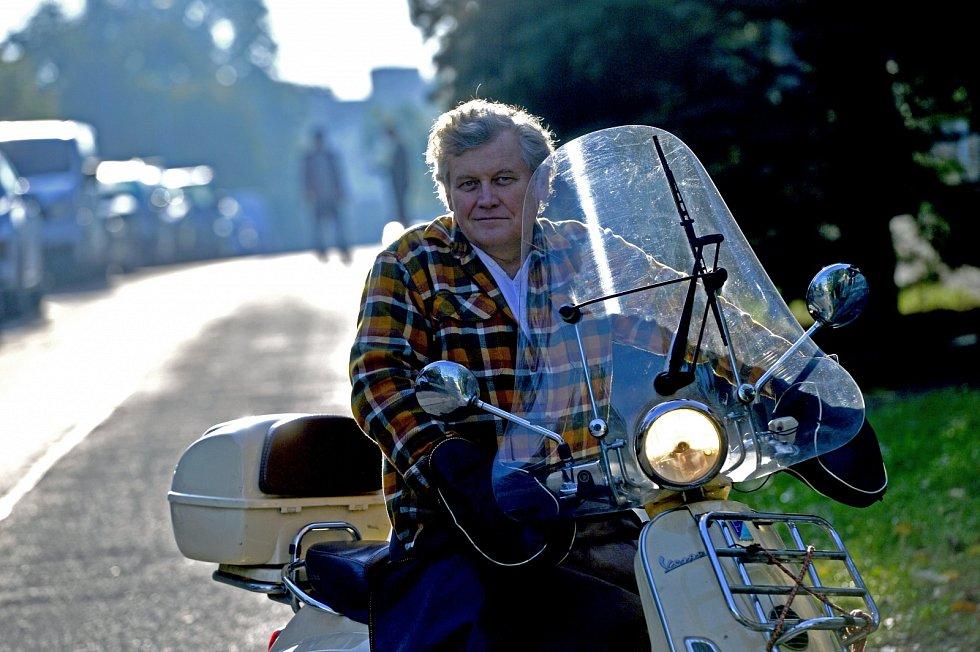Na jízdu po pražském okruhu je lepší stopětadvacítka. Můžete jet těch bezpečných sedmdesát osmdesát jako ostatní, říká Miroslav Hanuš.