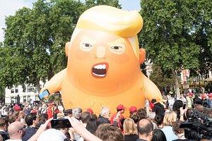 Nafukovací karikatura Baby Trump