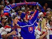 Fanoušci Slovenska pojali své oblečení velmi tradičně.