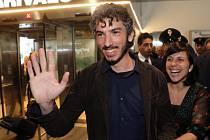 Gabriele del Grande se po čtrnácti dnech věznění v Turecku vrátil dnes dopoledne domů.