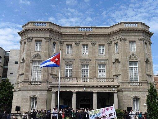 USA a Kuba otevřely v Havaně a ve Washingtonu své ambasády
