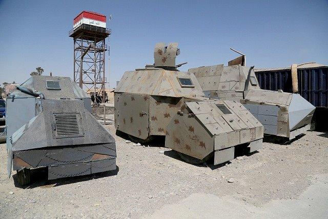 Islámský stát vyráběl v Mosulu obrněná auta z terénních vozů a pick-upů, které měly sloužit k sebevražedným útokům.