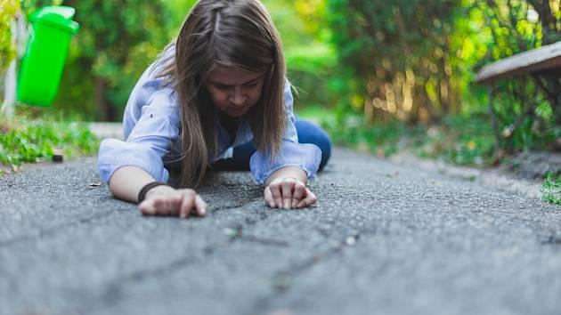 Přestože se epilepsie může objevit v kterémkoli věku, jsou životní období, ve kterých je nový výskyt epileptických záchvatů častější než v jiných – hlavní vrcholy jsou u malých dětí a v období stáří.