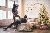 Jedním ze způsobů, jak zvýšit adrenalin, je mít sex srizikem vyrušení- například sex vdětském pokoji vašeho partnera, zatímco jeho příbuzní jsou dole