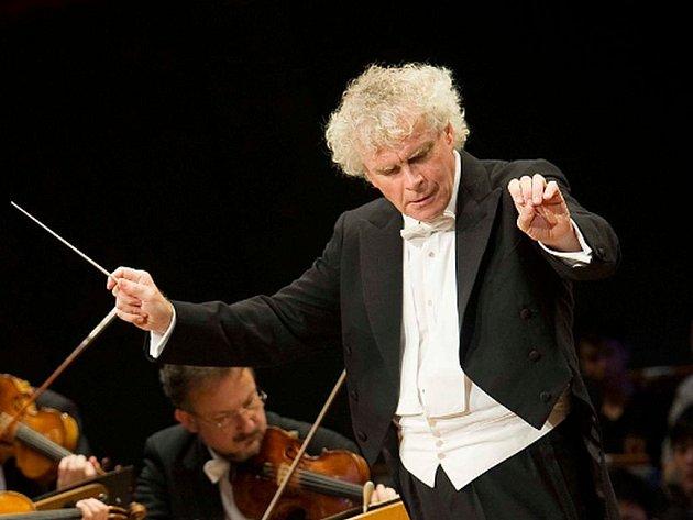 Poslední den roku 2013 nabídne desítka kin v České republice milovníkům klasické hudby setkání s Berlínskou filharmonií a jejím šéfdirigentem Simonem Rattlem.