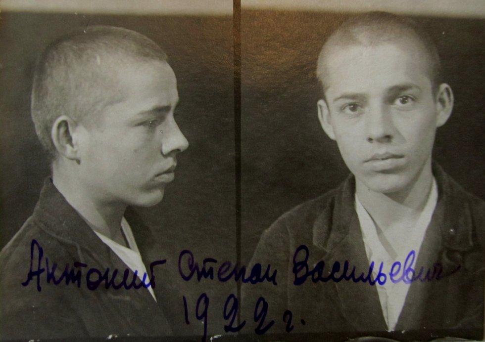 Štěpán Antonij při zatčení. Foto Státní archiv Zakarpatské oblasti _ÚSTR