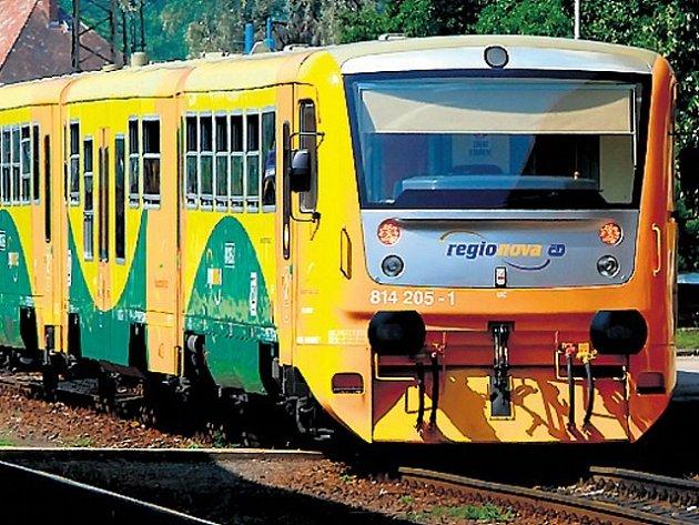 Na tratích v Praze a okolí budou i v roce 2008 přibývat moderní vlaky. Klimatizované patrové jednotky CityElefant a vlaky Regiona postupně nahrazují přesluhující pantografy.