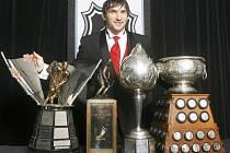 Alexandr Ovečkin sbírá trofeje a pocty jako na běžícím páse.