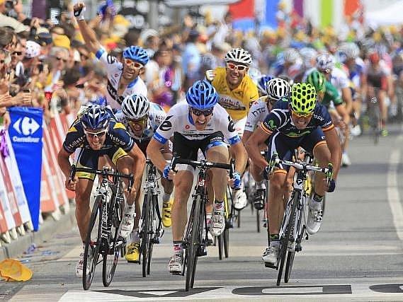 Hromadný spurt třetí etapy Tour de France opanoval Američan Farrar.