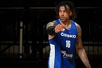 Basketbalista Blake Schilb.