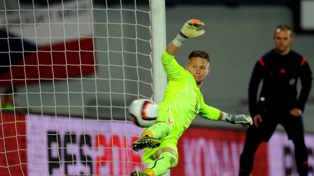Česko - Turecko: Tomáš Vaclík při penaltě