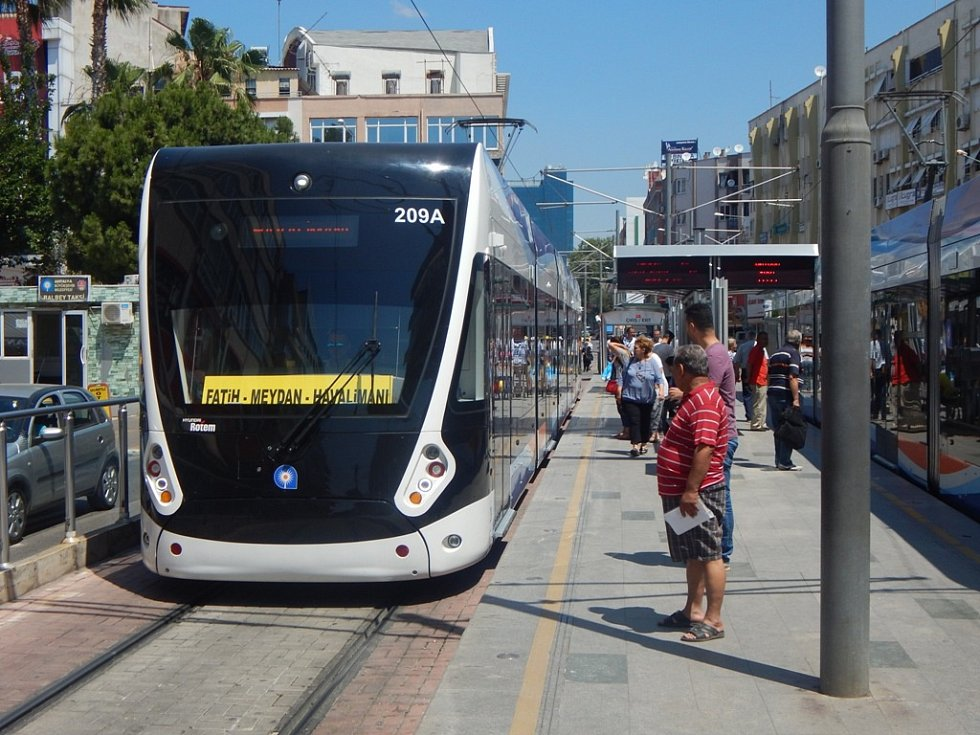 Alanya: dopravní obslužnost v Antalyi zajišťují také dvě linky tramvaje