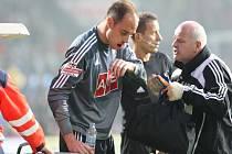 Brankář Českých Budějovic Zdeněk Křížek utrpěl v zápase proti Plzni dvojitou zlomeninu čelisti.