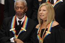POCTA. Barbra Streisandová a Morgan Freeman se sešli při udílení cen Kennedy Centre.