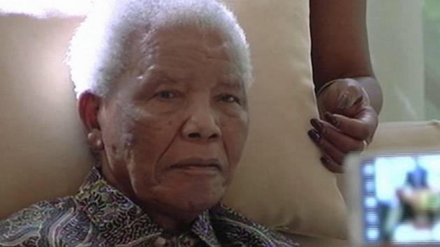 Nelson Mandela, snímek z dubna 2013.